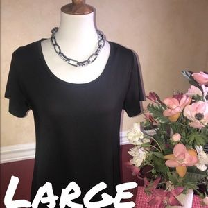 LuLaRoe Classic Tee- brand new with tags